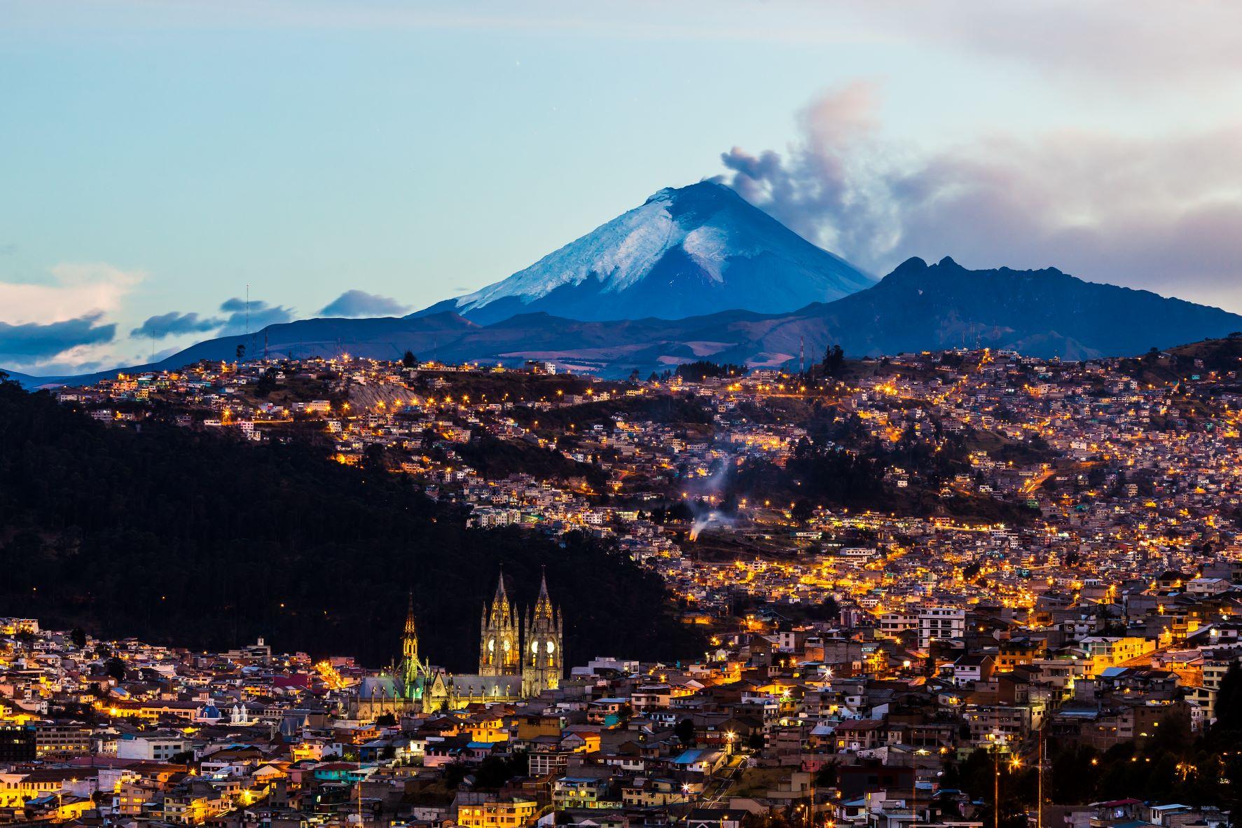 Photo of Quito at night. USTDA awarded a technical assistance grant to Quito's public transit bus operator, Empresa Pública Metropolitana de Transporte de Pasajeros de Quito (EPMTPQ), to help modernize its bus fleet and expand related intelligent transportation system technologies in Quito.